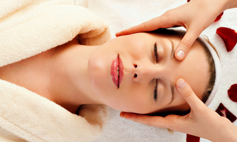 Massage Service at Salon in Dubai